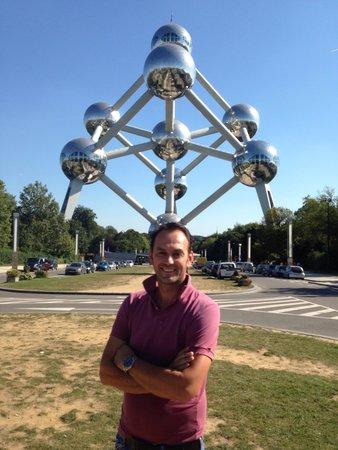 Atomium : Greeting from Montenegro
