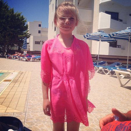 Happy Days Hotel Apartments: Princess evie loves Cyprus