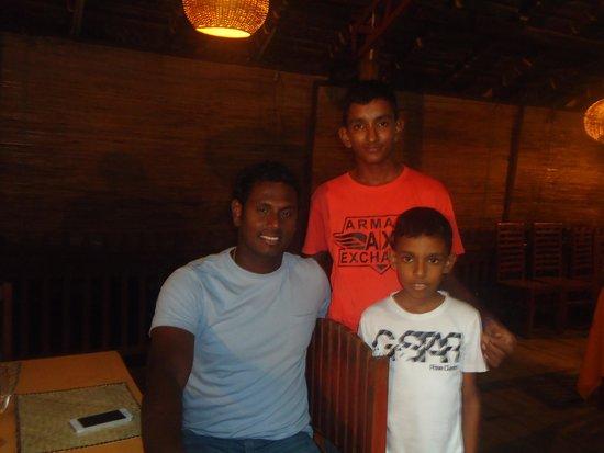 Tartaruga Hotel & Beach Restaurant: SL cricket captain Anjalo at tartaruga