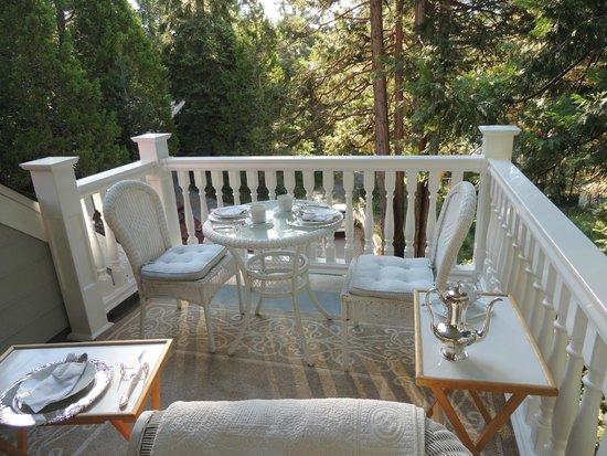 Tin Lizzie Inn : La vue depuis la terrasse de la suite où est servi le petit-déjeuné