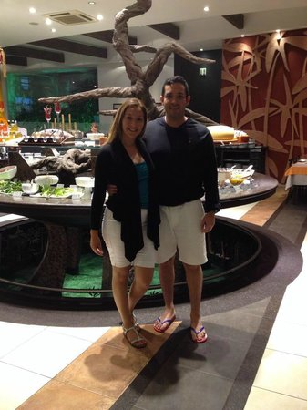 Churrascaria Jardins Grill: in front of the massive salad bar