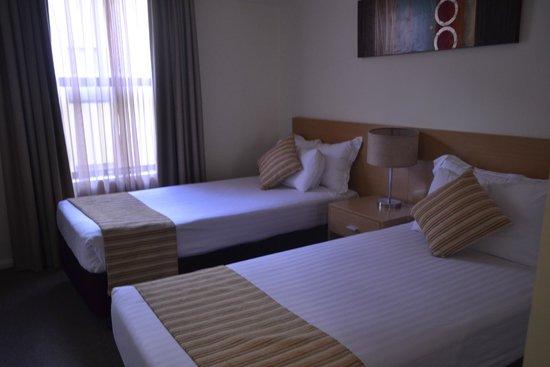 Best Western Northbridge Apartments : 2 single bed