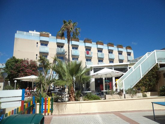 Hotel Villamarina Club: rear of hotel