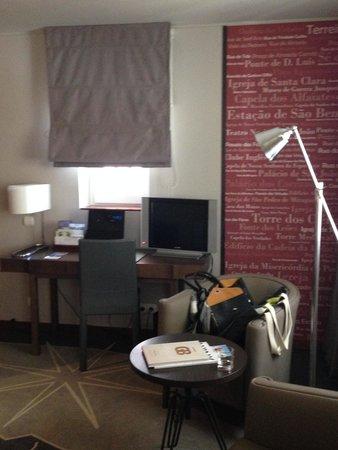 Pestana Vintage Porto: pequena sala no quarto