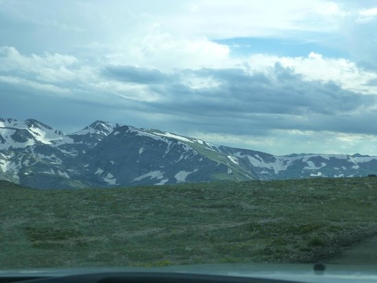 Trail Ridge Road : A view from the car
