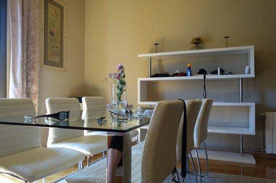 Aspasios Rambla Catalunya Suites: Dining area