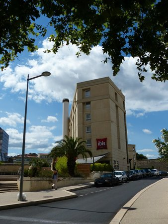Ibis Montpellier Centre: Building