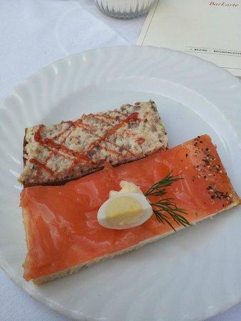 Zum Schwarzen Kameel: Open-Faced Sandwiches