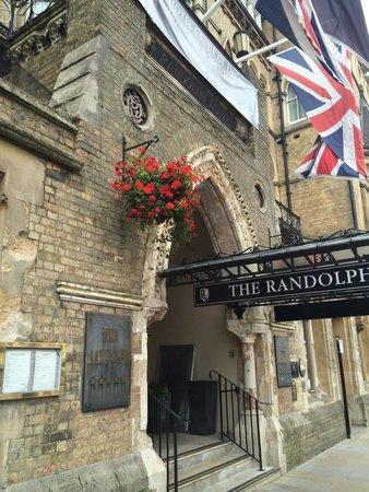 Macdonald Randolph Hotel: The Randolph entrance