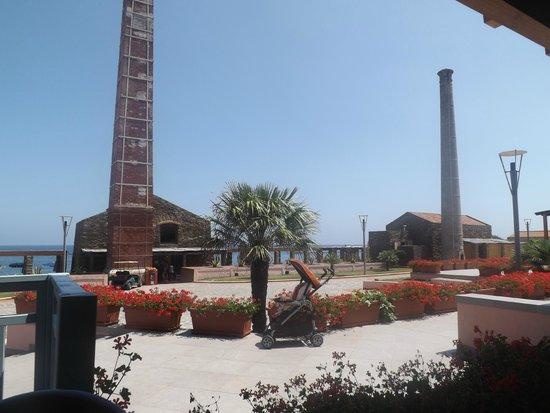 Villaggio Le Tonnare: Bar della spiaggia (visto dal ristorante)