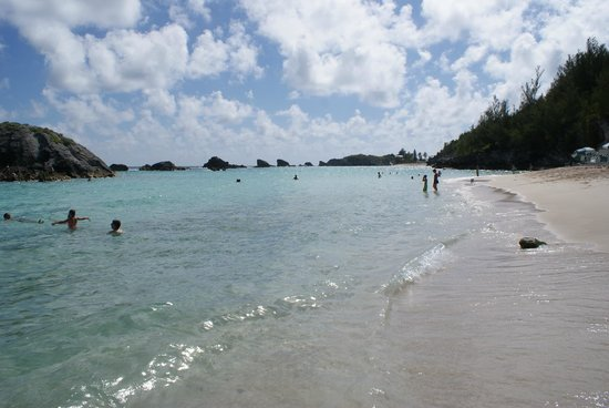 Fairmont Southampton : Beautiful private beach at the hotel