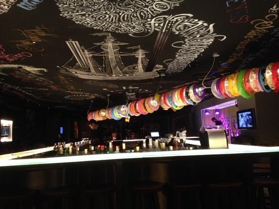 Mama Shelter Istanbul : The Bar ........
