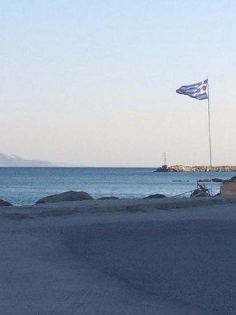 Cleopatra Hotels Kris Mari: beach