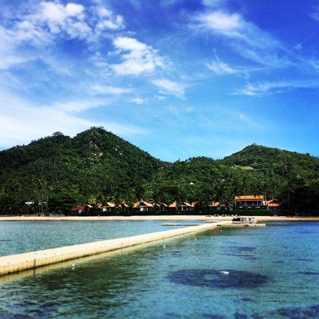 Le Meridien Koh Samui Resort & Spa: Vista dal mare sul pontile. Meraviglioso.