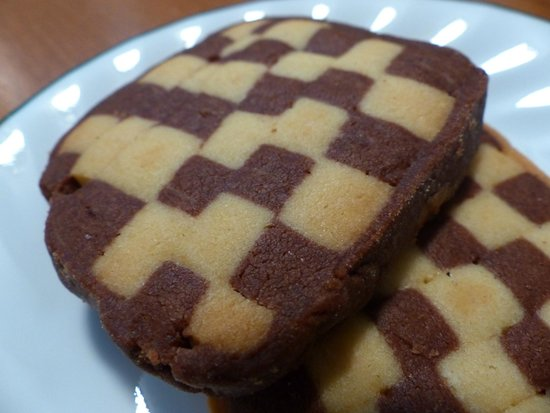 Marie et Guy's French Bakery: Checkerboard cookies