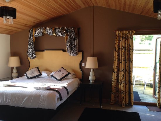 Yellowscott Country Park: Bedroom Lomond 6