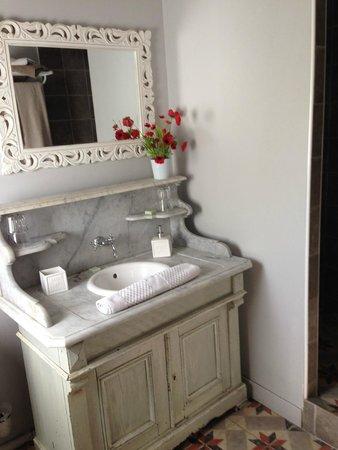 L'Epicerie - Une Chambre en Ville : Bathroom