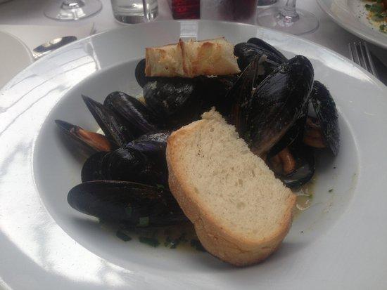 Don Marco Restaurant : Mahoosive mussels! Yum yum