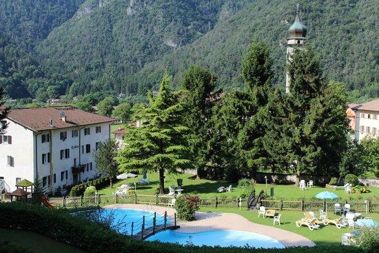 Hotel Garden: Esterno e piscina