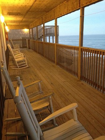 Cape Hatteras Motel: outside of room