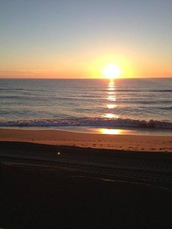 Cape Hatteras Motel: sunrise