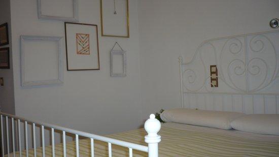 The Boutike Hostel: bedroom