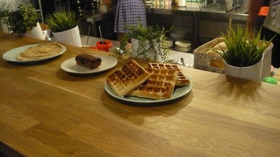The Boutike Hostel: breakfast