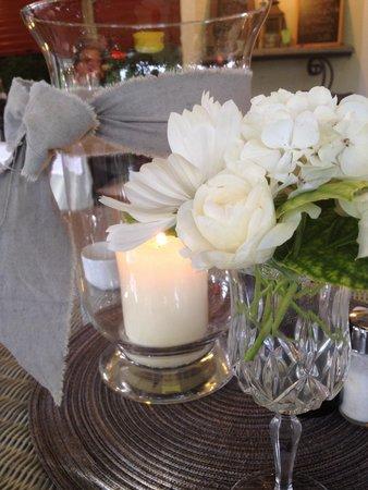 Hotel Weingarten: Tischdeko jeden Abend aus dem Garten.