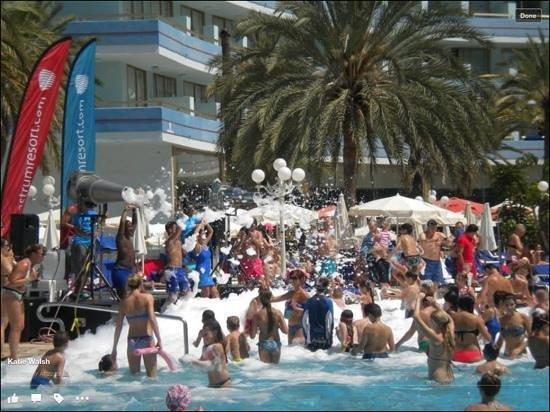 Mediterranean Palace Hotel : foam party, Blue Wednesdays