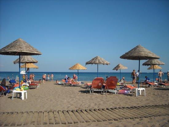Pegasos Beach Hotel : Spiaggia albergo