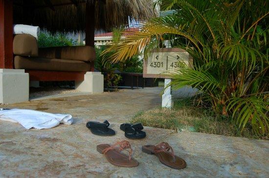 The Reserve at Paradisus Palma Real: Saida ap para piscina.