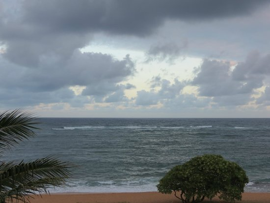 Courtyard Kaua'i at Coconut Beach: evening view from lanai
