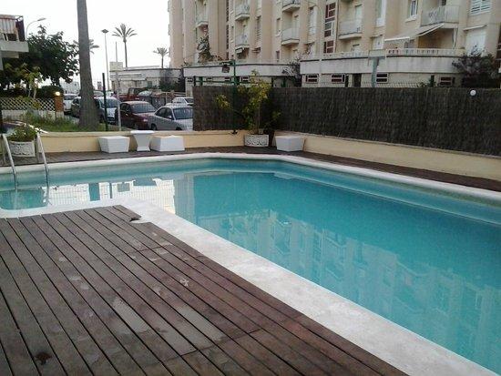 Adia Hotel Cunit Playa: Piscina