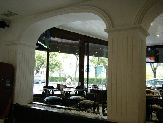 Hostal La Rotonda: Agradable cafeteria