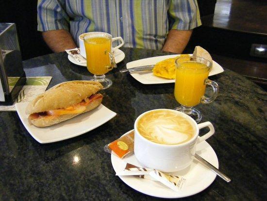 Hostal La Rotonda: Café con amor, ver detalle