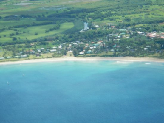 Inter-Island Helicopters - Tours: Hanalei bay
