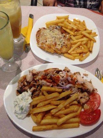 Enjoy the Food : Gyros portion + chicken fillet with parmesan