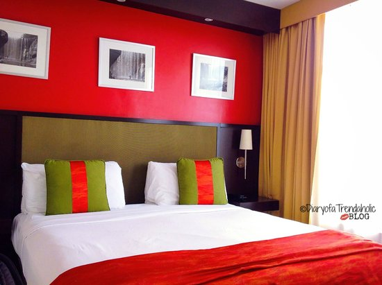 The Spanish Court Hotel: Room