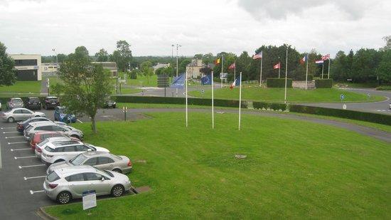 Novotel Bayeux: parking hotel