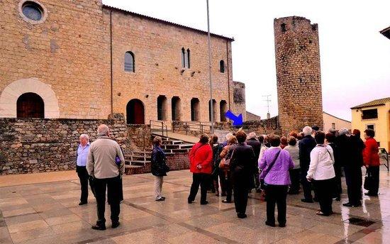 Peratallada, España: Bellcaire d'Empordà guided visit