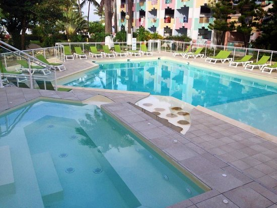 Canella Beach Hotel-Restaurant : Piscine de l'hôtel Canella Beach