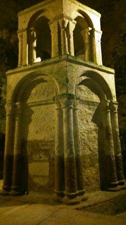 Monolithic Church of Saint-Jean of Aubeterre: Reliquaire