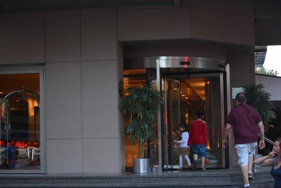 Nippon Hotel : Entrance