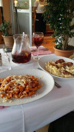 Ristorante Classico Club Nautico Santa Ponsa: Pastas and sangria. Tasty you should try it.