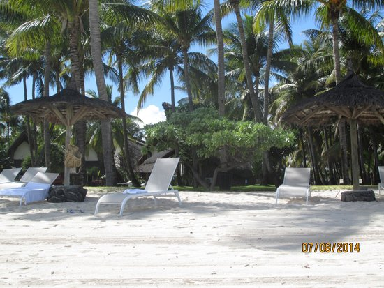 La Pirogue Mauritius : Beach