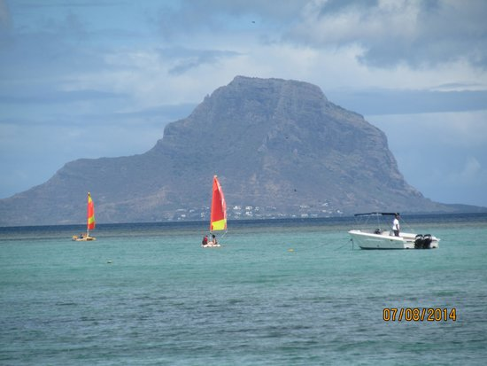 La Pirogue Mauritius : Viewfrom beach towards Le Morne