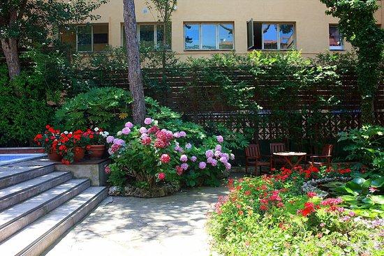 Boix Mar Hotel : Ухоженный дворик отеля