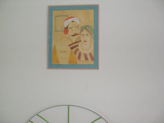Le Zenith Hotel: Картина в номере. Для молодоженов!   После двадцати лет совместной жизни:}))