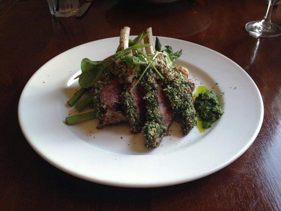 Cedar House Restaurant & Chalets: Lamb dish