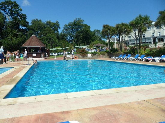 Westhill Country Hotel: Pool and Pool Bar
